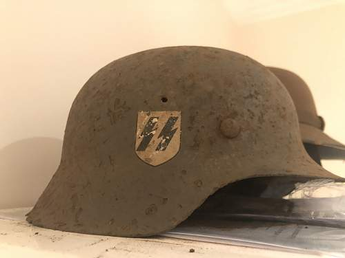 Relic M40 Waffen SS Helmet - Help, is it fake?