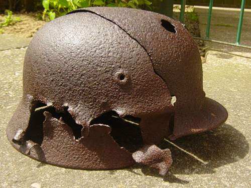 Click image for larger version.  Name:Relic M40 helmet from Austria. 004.jpg Views:85 Size:147.9 KB ID:27211