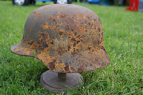Click image for larger version.  Name:zoo and dday helmet 212.jpg Views:382 Size:237.2 KB ID:363057