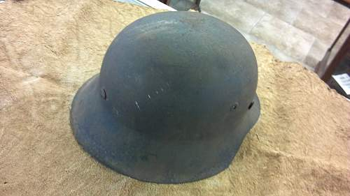 Need help identifying barn found German helmet