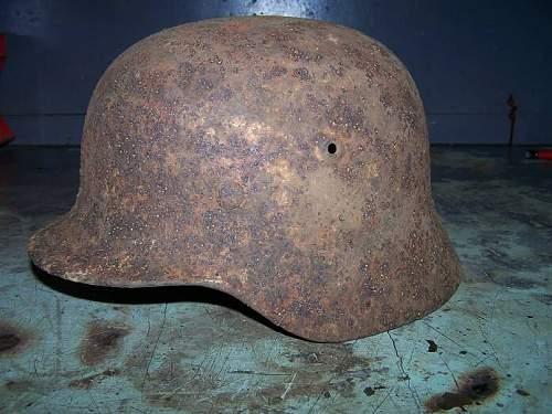 Click image for larger version.  Name:m 40 winter camo german helmet prerestored.jpg Views:329 Size:63.0 KB ID:16090