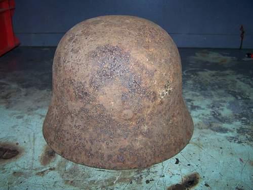 Click image for larger version.  Name:m 40 winter camo german helmet prerestored (3).jpg Views:171 Size:51.9 KB ID:16092