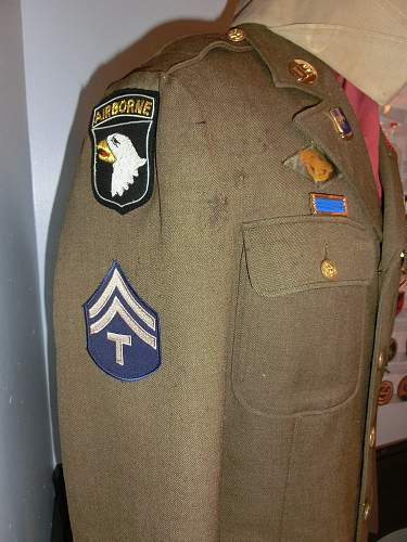 Click image for larger version.  Name:GP uniform right.jpg Views:252 Size:327.9 KB ID:761648