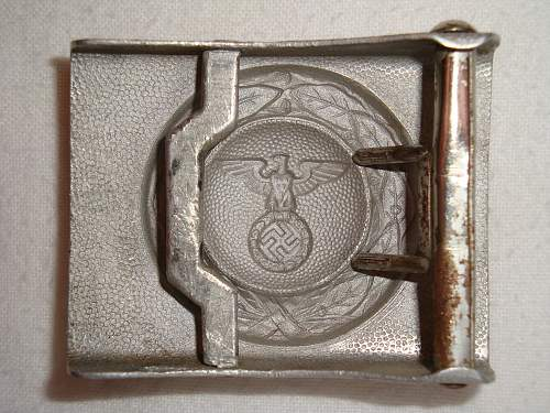 D.L.V., early Luftwaffe and R.L.B. buckles