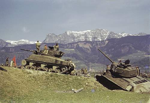 Click image for larger version.  Name:74295_russian_tanks.jpg Views:2562 Size:184.5 KB ID:15802