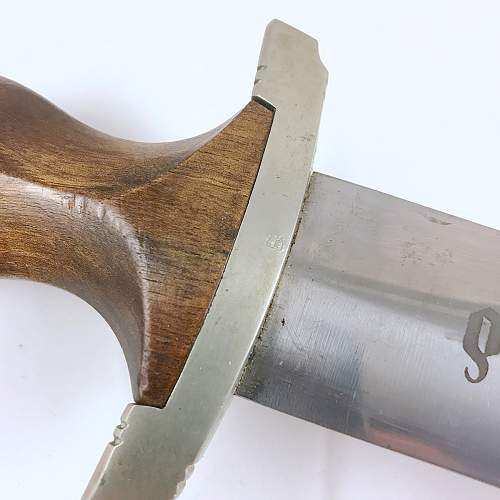 Looking for info related to personalized SA dagger blade...