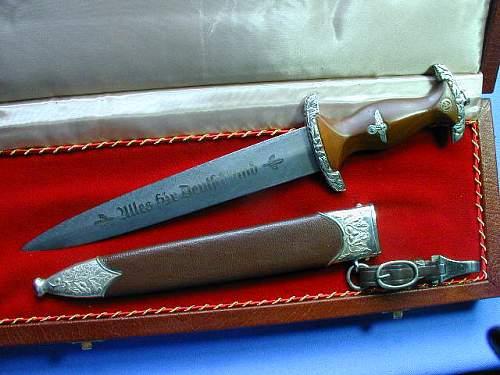 Quick Help Please on this SA High Leader Dagger