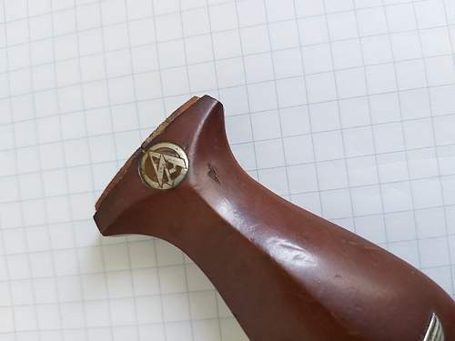 SA dagger handle identification