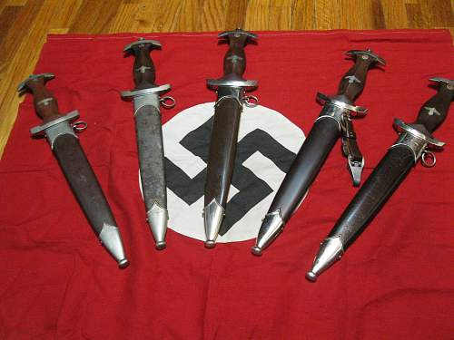 Click image for larger version.  Name:WWII daggers 003.jpg Views:237 Size:253.5 KB ID:241816