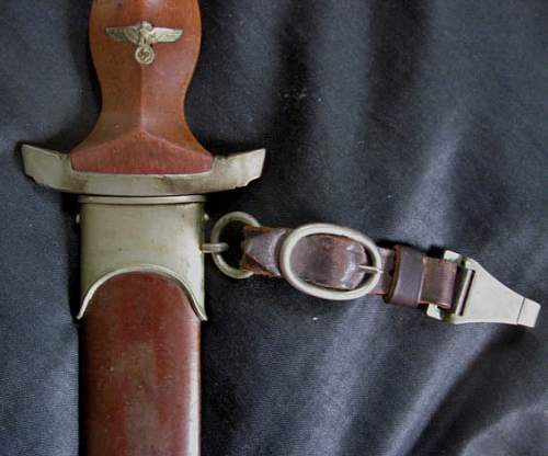 Click image for larger version.  Name:SS Knife shows leather handle.jpg Views:93 Size:65.0 KB ID:402548
