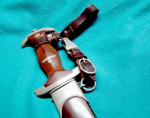 SA High Leaders dagger in wear