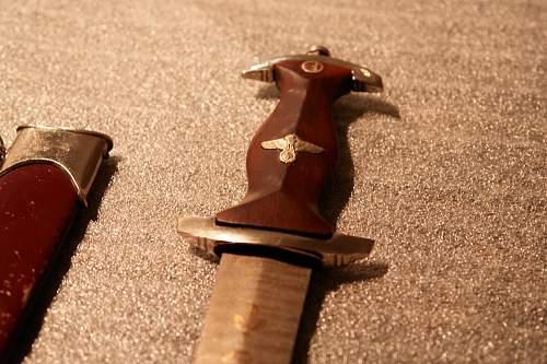 damascus sa daggers