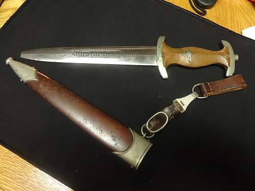 Click image for larger version.  Name:Nazi Daggers 014.jpg Views:71 Size:213.9 KB ID:877639