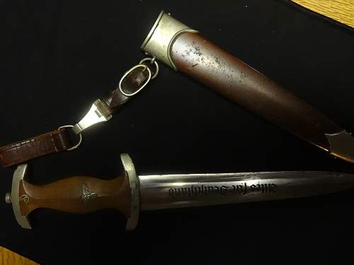 Click image for larger version.  Name:Nazi Daggers 013.jpg Views:138 Size:214.4 KB ID:877640
