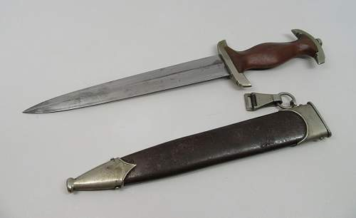 question on early SA dagger by E. Pack