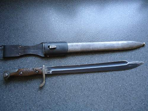 German 98/05 bayonet - need help with markings.