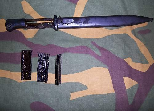 german bayonet  jwh 1943 used after the war