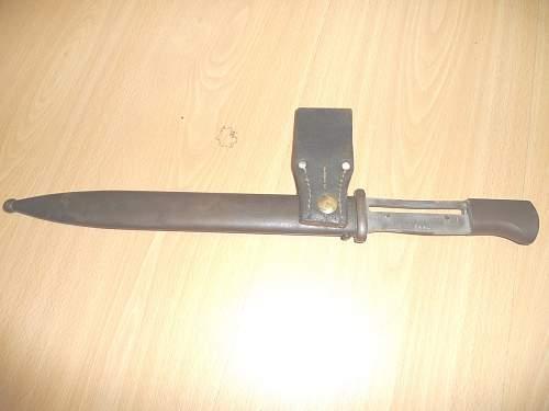 Like 84/98 Bayonet but strange