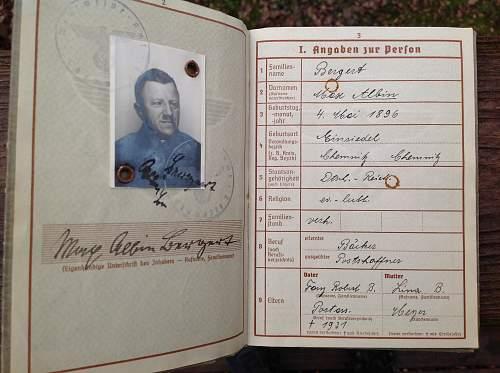 KM early issue Wehrpas WW1/WW2 Vet