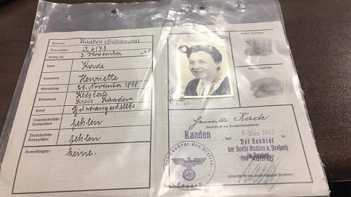 Kennkarte ID authentication and translation