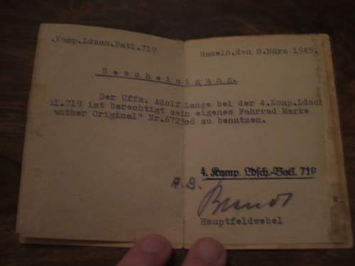 Heer Wehrpass and the paper from Belsen.