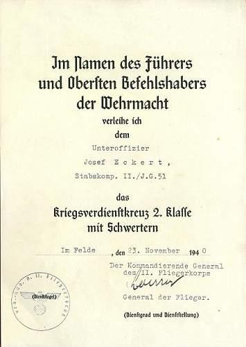Luftwaffe Soldbuch and award document set.