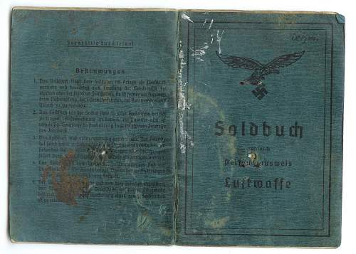 Click image for larger version.  Name:soldbuch.jpg Views:65 Size:194.5 KB ID:361195