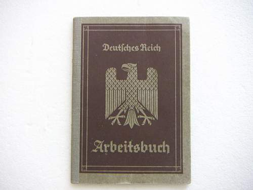 Click image for larger version.  Name:Arbeitsbuch (Work Pass) early 1.jpg Views:47 Size:171.5 KB ID:434513