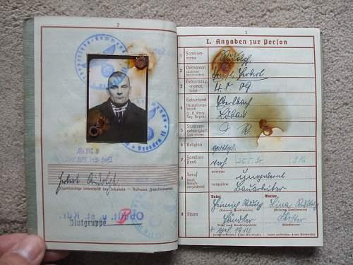 Click image for larger version.  Name:Stalingrad wehrpass 003.jpg Views:545 Size:244.3 KB ID:44130