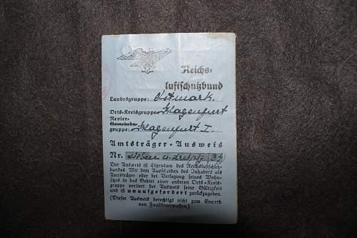 various luftschutz id cards