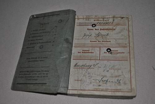 2x Wehrpass: Help with id and value