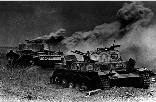 Click image for larger version.  Name:1467215267-destroyed-tanks-kursk.png Views:180 Size:301.1 KB ID:975267