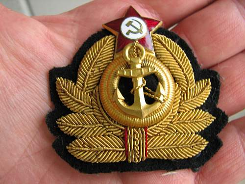 Click image for larger version.  Name:soviet_navy_insig_2.jpg Views:52 Size:188.4 KB ID:653123
