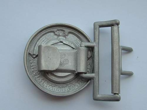 SS officer belt buckle authentic?