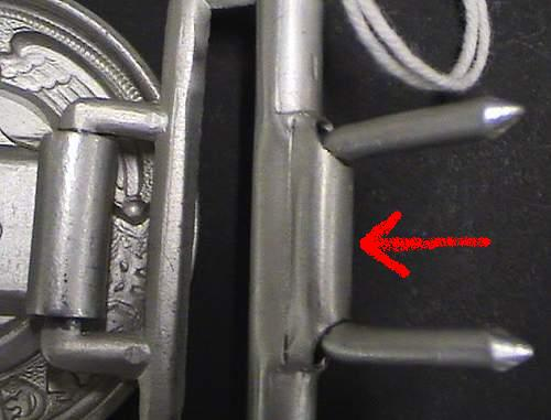 question on ss officers buckle