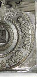 Does this SS belt buckle look geniuine to you?