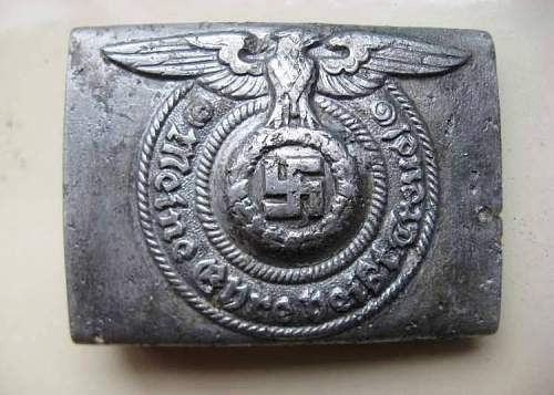 SS buckle 822/38- molded fake?
