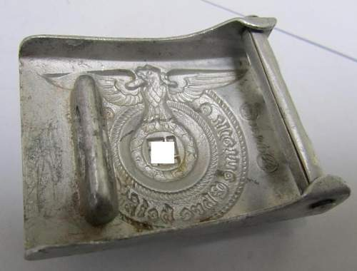 SS NCO's buckle: repro or original one?