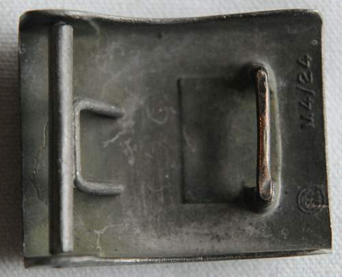 Click image for larger version.  Name:3 SS Belt Buckle Totenkopf back a.jpg Views:33 Size:221.6 KB ID:942994