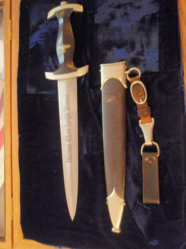 Click image for larger version.  Name:MAX SIMON'S DAGGER 006.jpg Views:87 Size:251.9 KB ID:301597