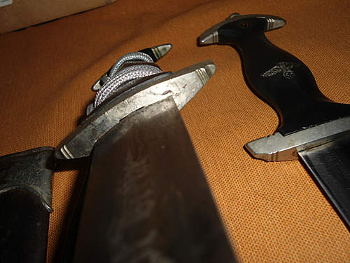 Click image for larger version.  Name:my two german daggers 026.jpg Views:80 Size:218.1 KB ID:392367