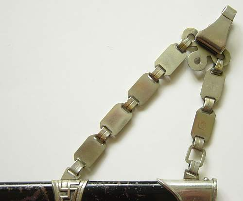 Click image for larger version.  Name:SS M36 dagger chain close up 2..JPG Views:638 Size:128.6 KB ID:5097
