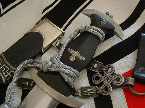 How to tie a proper portepee knot on a Chained SS Dagger