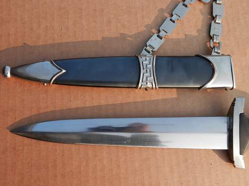SS Chained Dagger