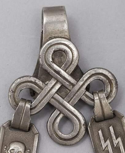 Original SS chained dagger ?