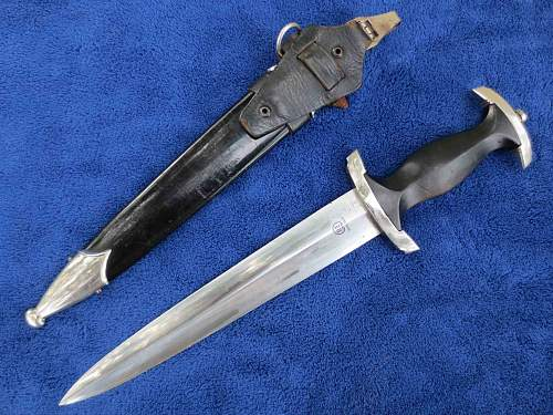 RZM SS Dagger With Vertical Hanger