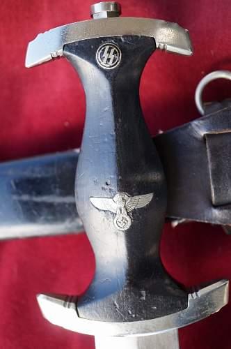 M33 Hammesfahr SS dagger for review.