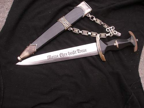 SS dagger with chain ask for an opinion