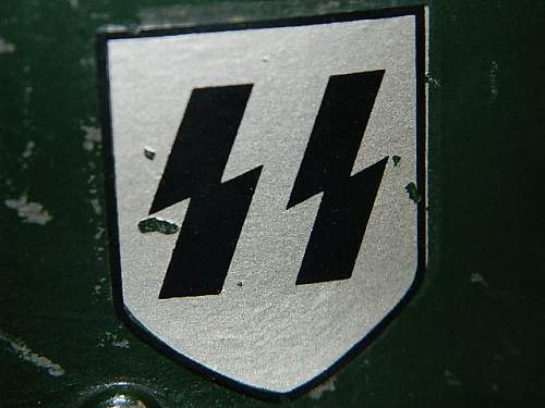 4th SS Polizei Panzergrenadier Division Deouble Decal Helmet; Need Help to see if its real..