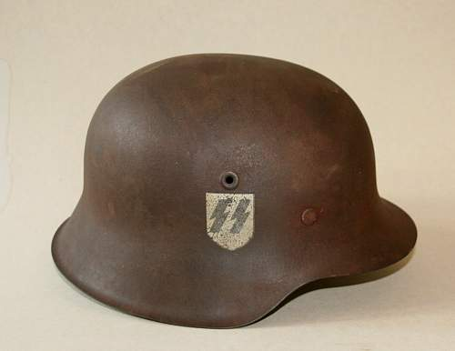 Could you help me with this SS helmet, please?